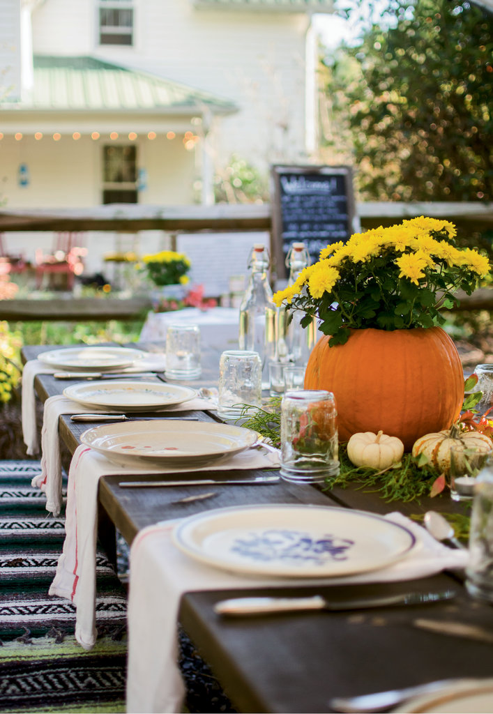 The tables were aflush with fall décor and mismatch vintage plates.