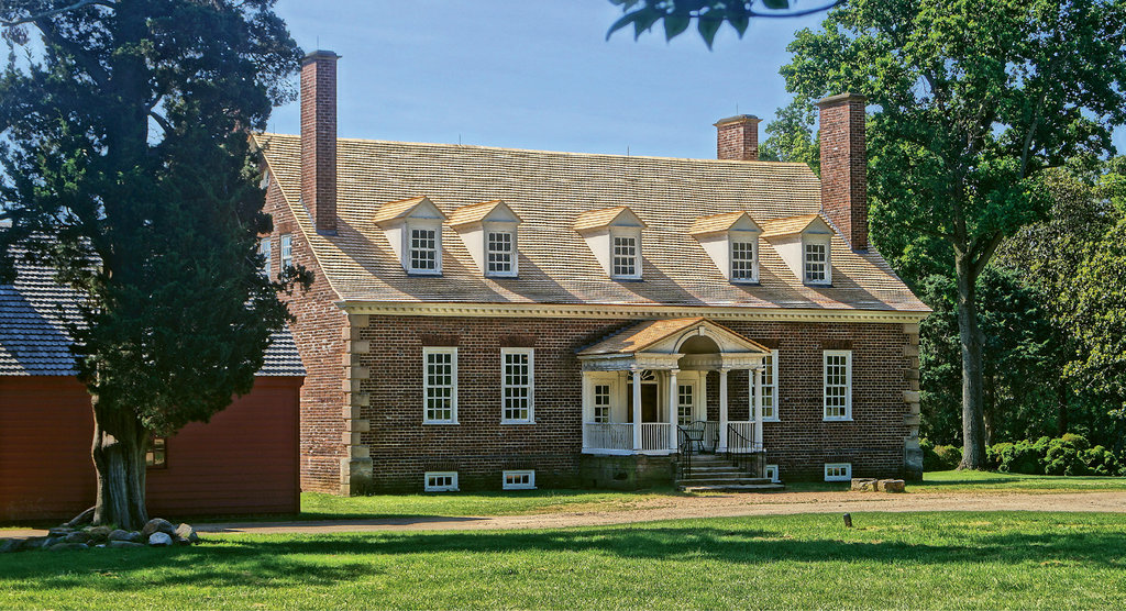 Estate of the Nation: George Mason's Georgian-style home sits atop a bluff overlooking the Potomac. His writings significantly influenced 18th-century political thought.