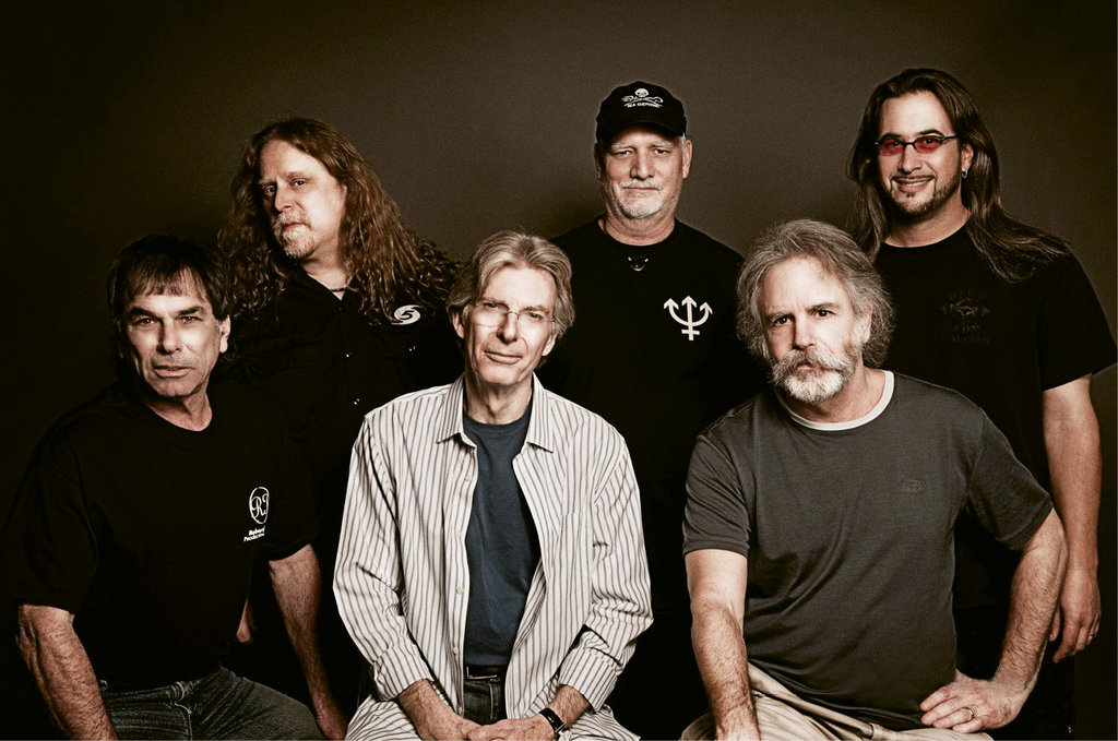 In 2004 and again in 2008-09, Haynes toured with The Dead, featuring original Grateful Dead members Mickey Hart, Phil Lesh, Bob Weir, and Bill Kreutzmann (front row and back center) and newcomers Jeff Chimenti (back row right) and Jimmy Herring (not shown).