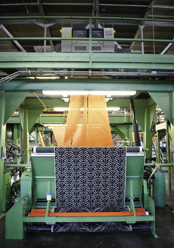 a Jaquard loom weaves New Zealand wool and American cotton to create blankets.
