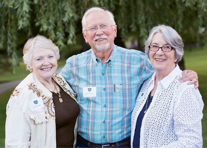 Pat Mauldin with Cullie and Sylvia Tarleton