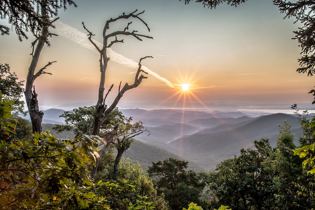 Honorable Mention: Sunrise on Mount Pisgah by Shawn DeVore (Amateur category)
