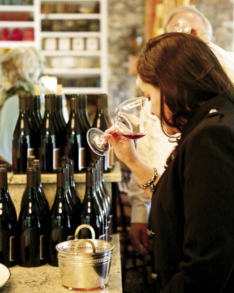 Vintner Lindsay Woodward of Retour Wines