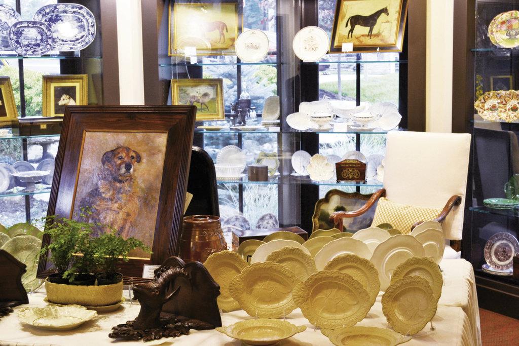 David Herndon Antiques of Atlanta, Georgia, displayed a selection of antique porcelain.