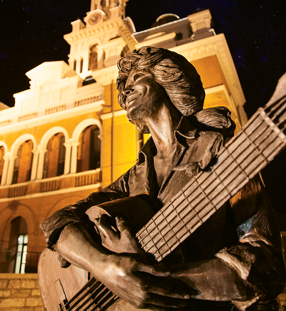 To this day, Dolly Parton makes occasional visits to her East Tennessee hometown. In honor of her achievements, a statue of the star was erected at the Sevier County Courthouse in Sevierville.