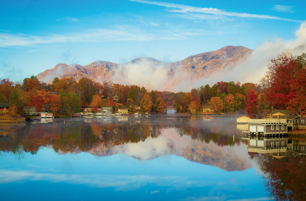 Finalist: Reflection of Autumn in Lake Lure by Clint Calhoun (Amateur category)