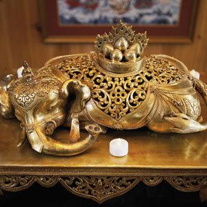 An elephant incense box.