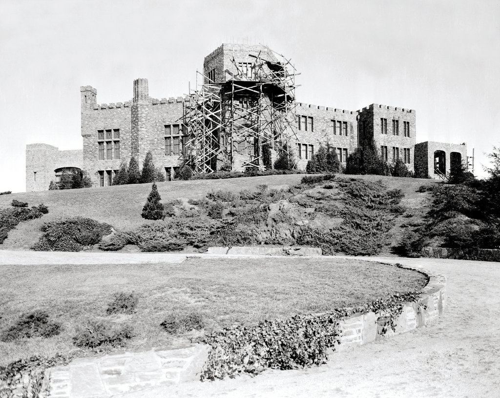 Stone Sentinel: Seely began construction of the 20,000-squre-foot castle in 1914, and it took nearly a decade to complete.