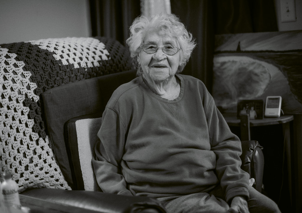 """Conlee """"Toots"""" Hall, 100"""