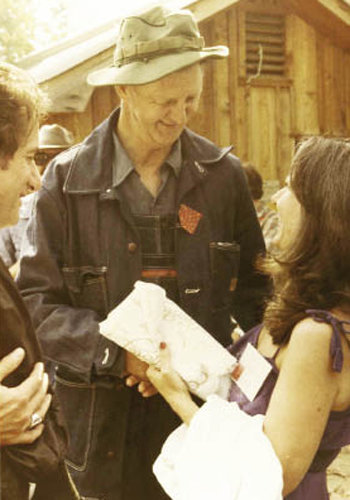 Hicks with admiring fans, Mike Vaniman and Connie Regan-Blake
